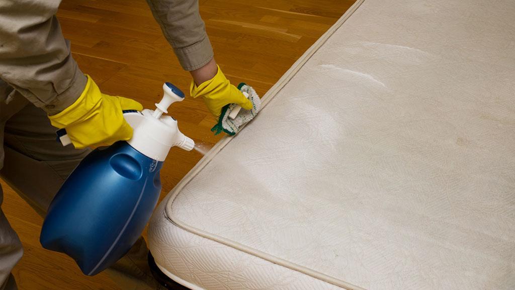 πώς να καθαρίσετε το στρώμα